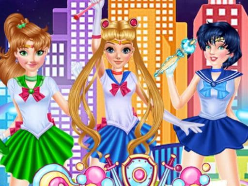 Play Sailor Moon Cosplay Show