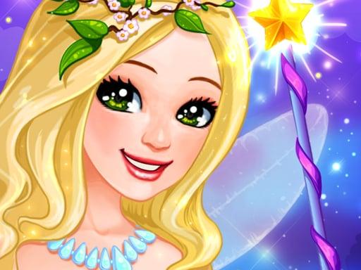 Маленькая фея наряжается для девочек
